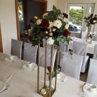 geometryczne stojaki na wesele