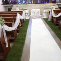 dekoracja koscioła sopot biały dywan