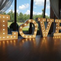 love led napis na wesele