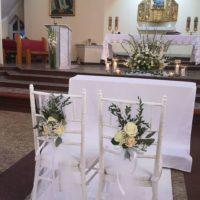białe krzesła chiawari banino trojmisto